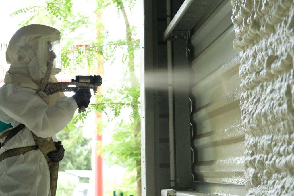 Projection de mousse polyuréthane pour l'isolation en Corrèze, Loiret, Puy de Dôme, Haute Vienne et Charente Maritime